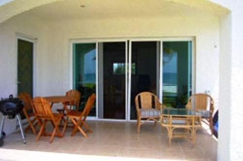 Condo 112 at Caribbean Reef Villas Photo