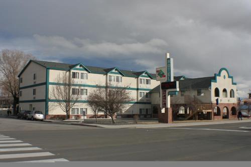 Carson Cty Plaza Hotel Conf Ctr