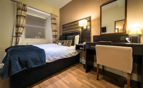 15 Belhaven Terrace, Glasgow G12 0TG, Scotland.