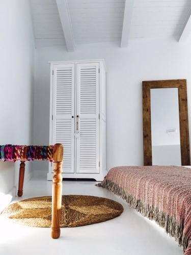 Estudio Deluxe con cama grande - Uso individual Akassa Alojamientos Bioclimaticos en las Hurdes 8