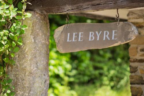 Lee Byre - 9 of 33