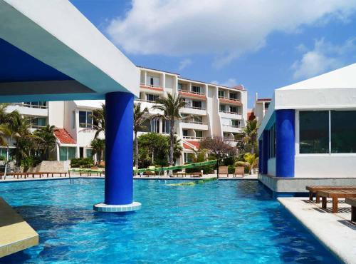 Apartment Ocean Front Cancun Photo