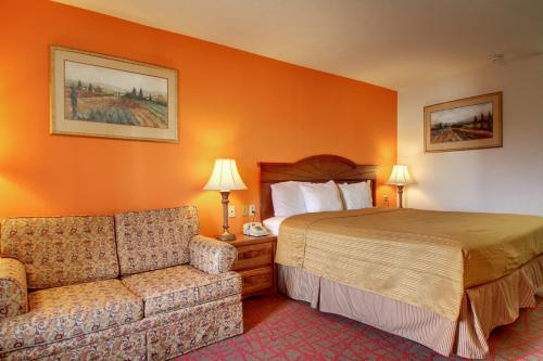 Key West Inn - Oxford, AL 36203