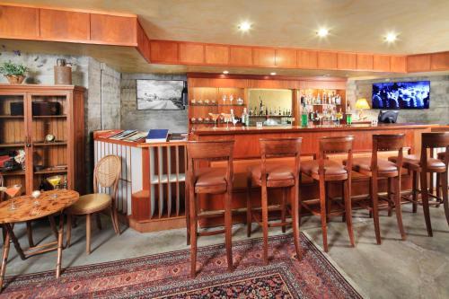 The Grape Leaf Inn Photo