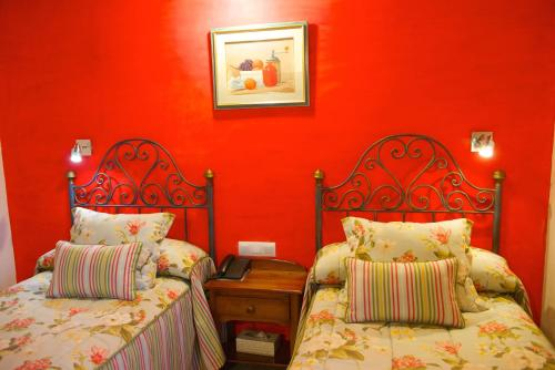 Standard Twin Room - single occupancy Hotel Rural Masía la Mota 2