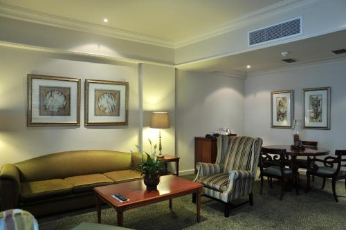 Protea Hotel by Marriott Durban Edward Photo