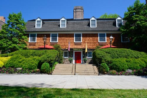 Cheap Hotels Near Princeton University