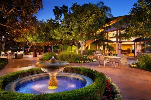 Sheraton Park Hotel at the Anaheim Resort Photo