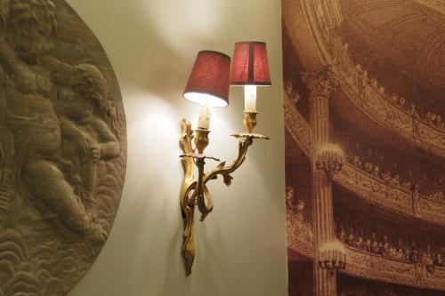Palais Royal ChicSuites photo 10