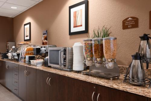 Microtel Inn & Suites Cotulla Photo