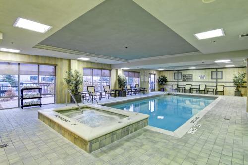 Hampton Inn & Suites Guelph Ontario Canada - Guelph, ON N1H 6N3