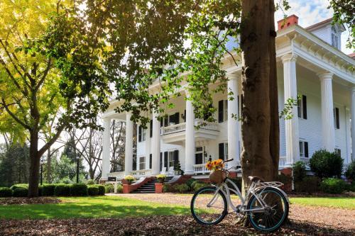 The Twelve Oaks Bed & Breakfast - Covington, GA 30014