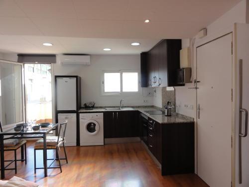 Apartamentos Barcelona - Iberia photo 3