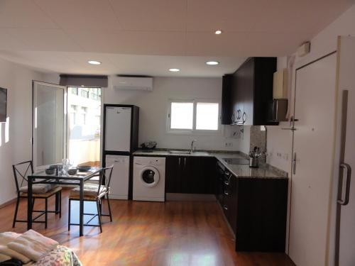 Apartamentos Barcelona - Iberia photo 4