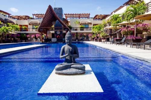 Aldea Thai Studio by Ocean Front Photo