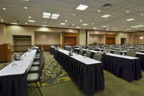 Embassy Suites Hotel Lexington - Lexington, KY 40511