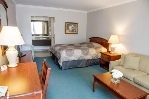 Rideau Heights Inn Photo