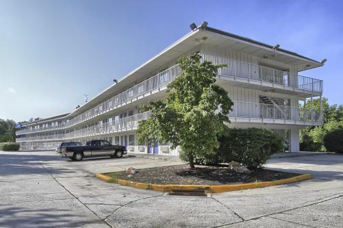 Motel 6 Harrisburg - Hershey South - New Cumberland, PA 17070