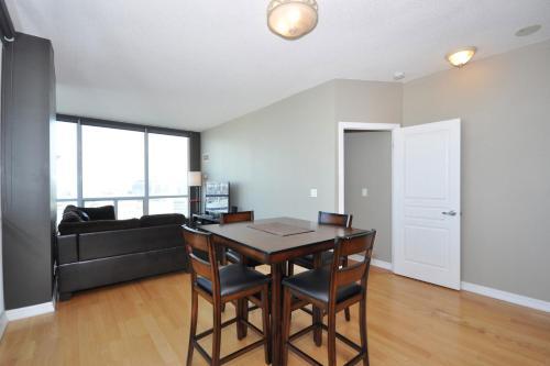 Mississauga Apartments & Suites - Mississauga, ON L5M 4P5