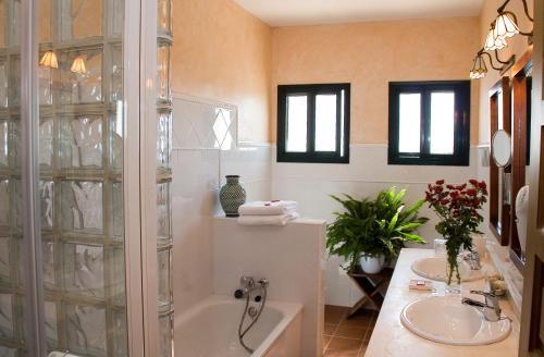 Doppel-/Zweibettzimmer mit Balkon und Meerblick Hotel Sindhura 16
