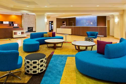 Fairfield Inn & Suites by Marriott Orlando Lake Buena Vista in the Marriott Village photo 9
