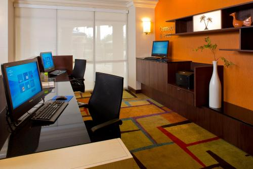 Fairfield Inn & Suites by Marriott Orlando Lake Buena Vista in the Marriott Village photo 12