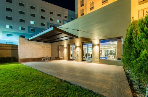 Courtyard by Marriott San Luis Potosi Photo