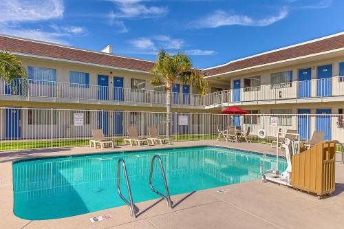 Motel 6 Phoenix North - Bell Road Photo
