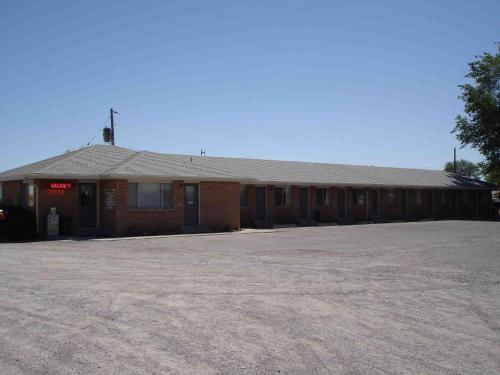 Tops Motel Photo