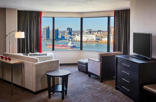 Best Western Plus Waterfront Hotel Photo