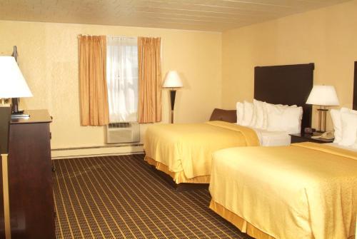 Quality Inn & Suites Big Rapids Photo