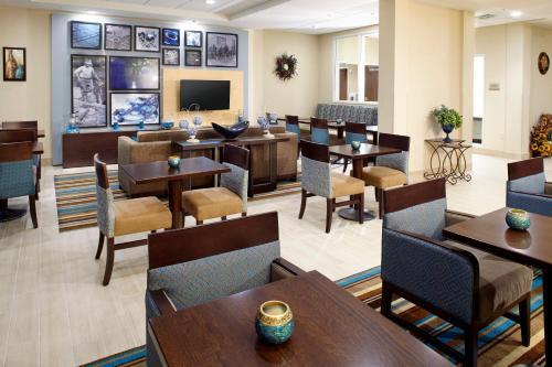 Hawthorn Suites by Wyndham Bridgeport Photo