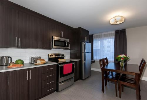 Homeport Apartment Hotel Photo