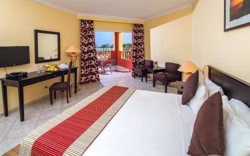 Royal Tulip Beach Resort Photo