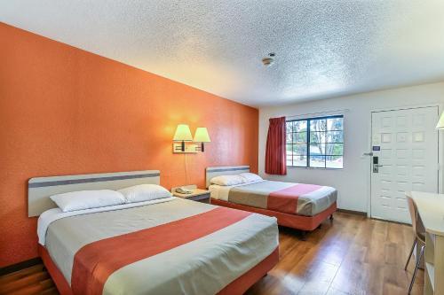 Motel 6 Livermore Photo