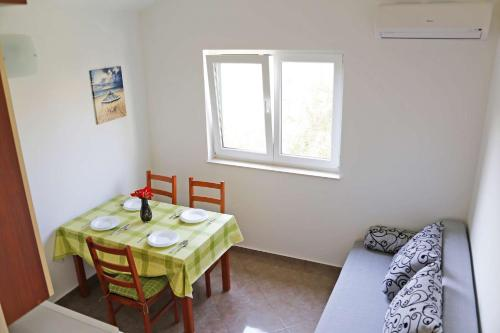 Apartments Mijic 743