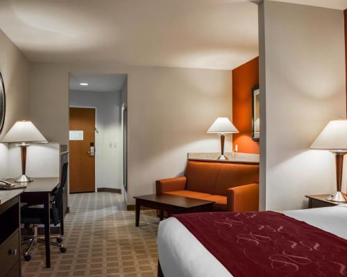 Comfort Suites Hotel Vero Beach Photo