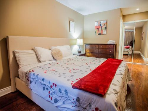 Toronto Furnished Accommodations - Qwest - Toronto, ON M5H 4C9