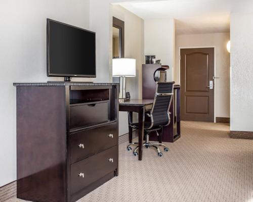 Comfort Suites Southlake Photo