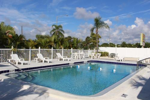 Best Hotels In North Port Florida With Ratings And Reviews Triphobo