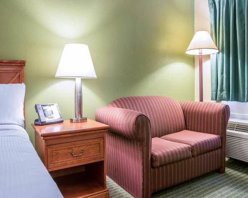 Rodeway Inn Grand Haven Photo