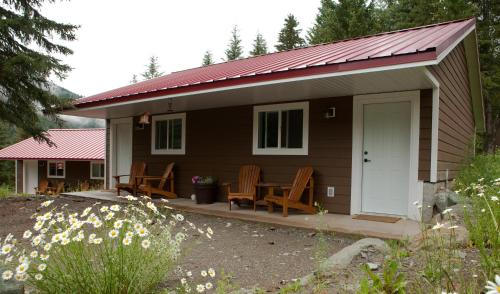 Tod Mountain Guest Cabins