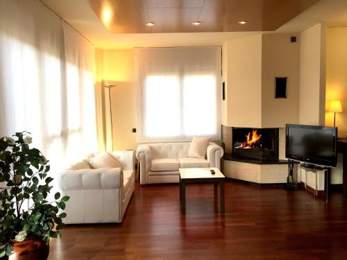 Suite with Fireplace and Spa Access Hotel Del Lago 12