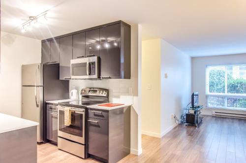 Ginosi Puget Sound Apartel - Seattle, WA 98119
