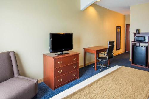 Quality Inn & Suites of Liberty Lake Photo