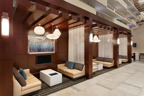 Embassy Suites Atlanta - Airport Photo