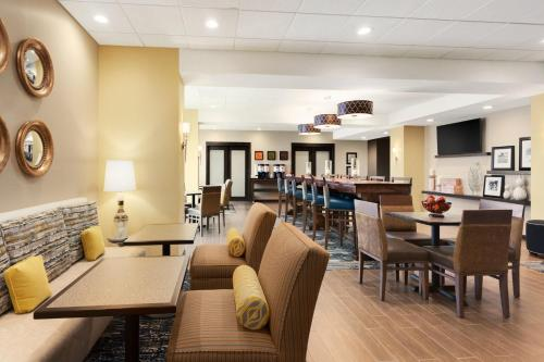 Hampton Inn Kennewick at Southridge, WA Photo