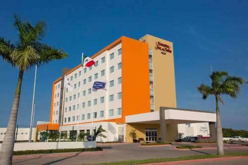 Hampton Inn & Suites by Hilton Paraiso in Paraíso