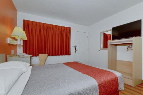Motel 6 Big Bear - Big Bear Lake, CA 92315