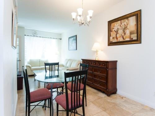 Toronto Furnished Accommodations - Yorkville - Toronto, ON M5S 3L9